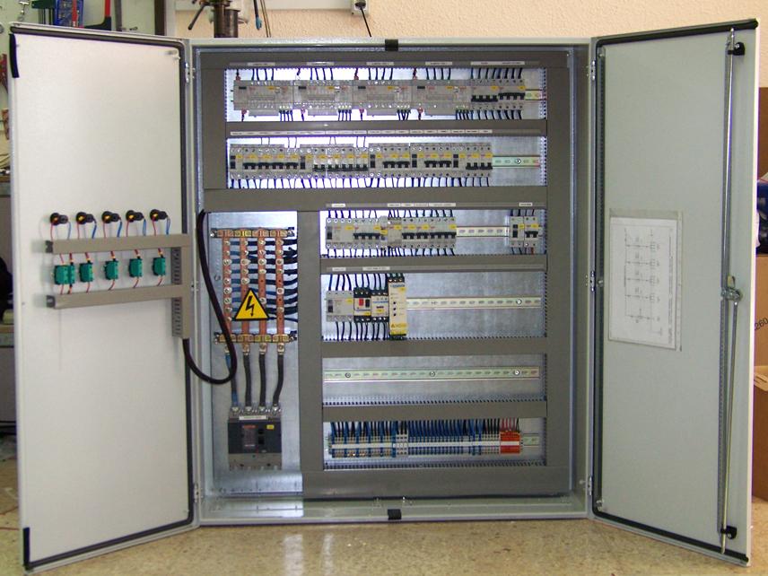 Instalaciones el ctricas arficom for Caja cuadro electrico